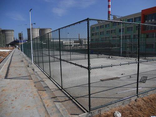 体育场围网特别适用于高度4米以内的作为球场围网,篮球场围网,排球