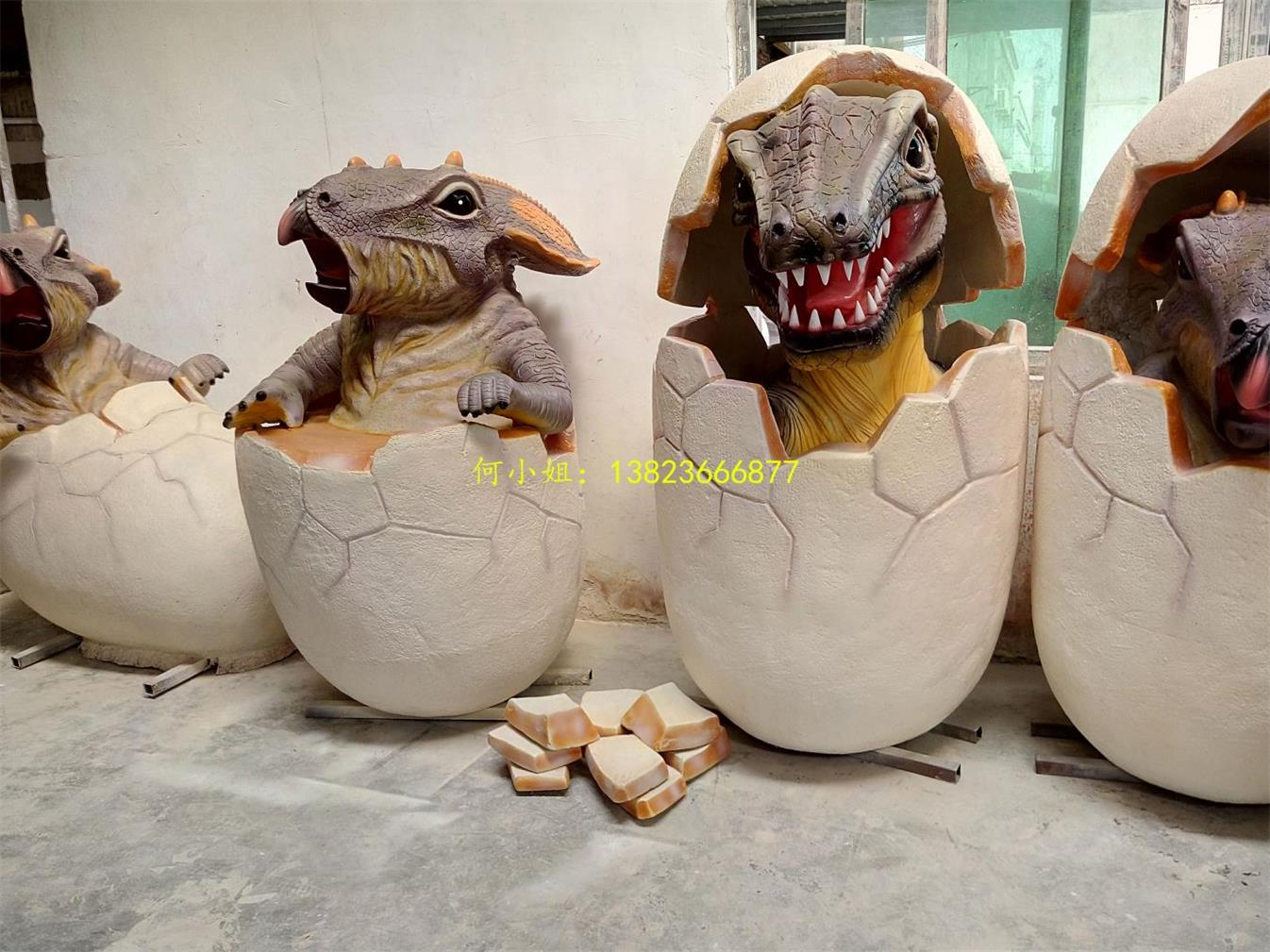 广场装饰玻璃钢仿真恐龙蛋模型雕塑展示产品图
