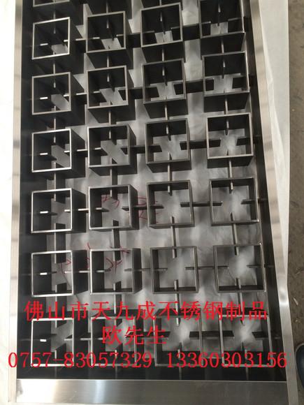 建水县酒店不锈钢镂空花纹装饰板,巍山县不锈钢古铜雕花屏风,拉萨市