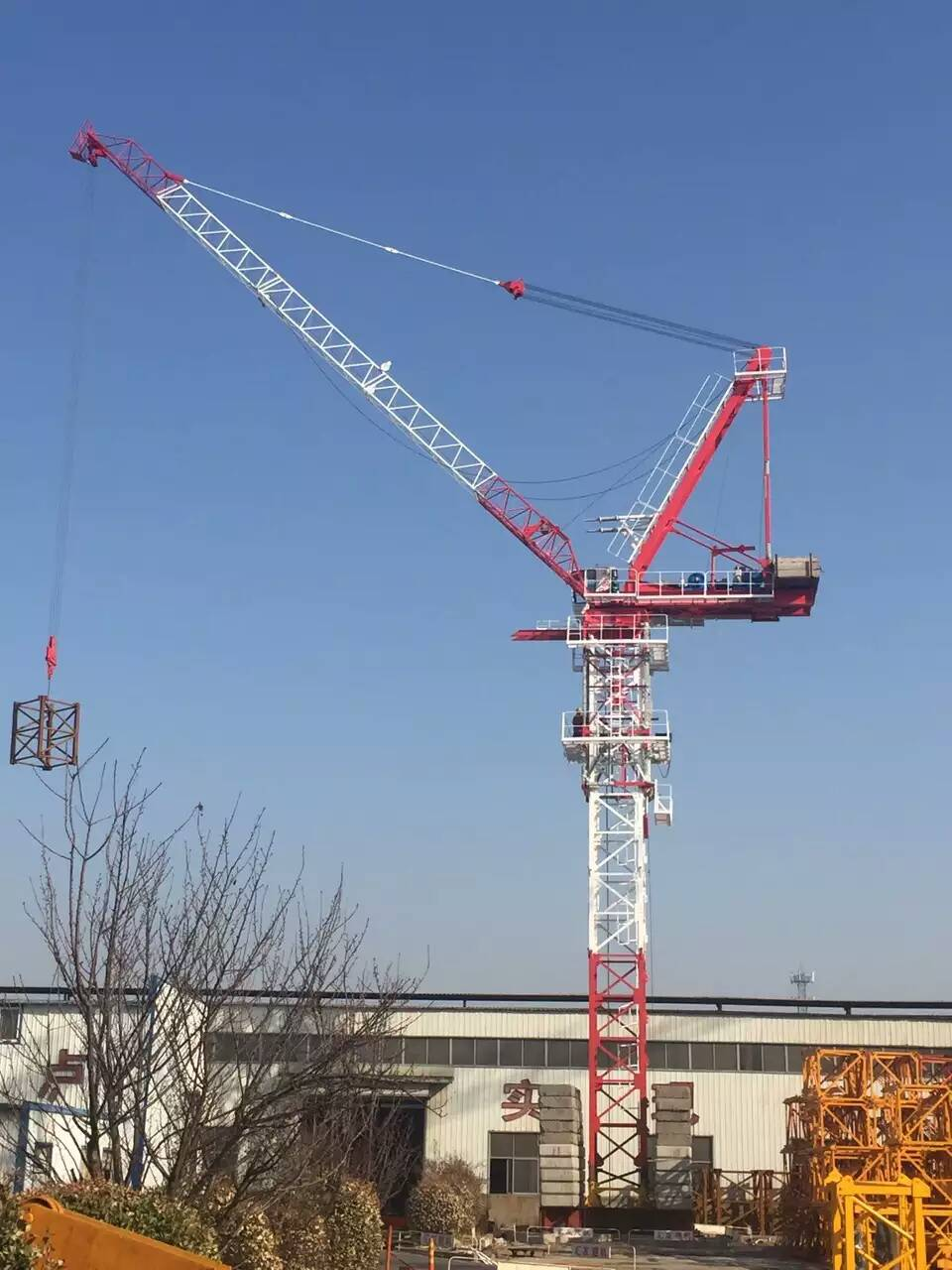 qtd125动臂塔吊 大型动臂塔机生产制造商产品图片高清