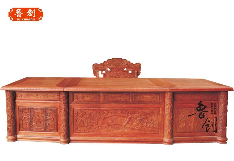 东阳市鲁创红木家具有限公司,是一家专业生产古典红木家具的企业,公司红木家具均采用进口 酸枝木、花梨木等优质红木原材料,经低温烘干处理,精雕细作而成,产品远销德国等发达欧美国家。 公司于1999年创建,是东阳红木家具行业中起步比较早的企业之一。由于经营理念领先,品质有保障,利用网络优势、借助人才的配合,经销商、代理商遍布全国各地,在武汉、苏州、济宁、贵阳、江西等地开起了多家专卖店,发展至今全国已拥有近百家商户。 公司集设计、生产、销售、服务于一体,选用优秀的设计人才和雕刻师傅,引进先进的生产设备,工序环环相