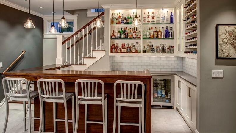 家用木工酒柜的图片