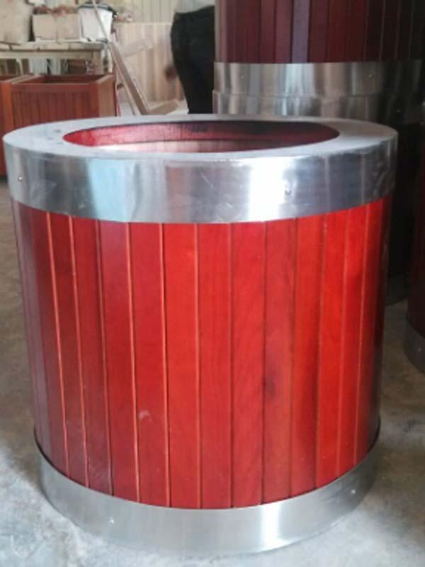不锈钢包边花箱厂家 钢木花槽图片