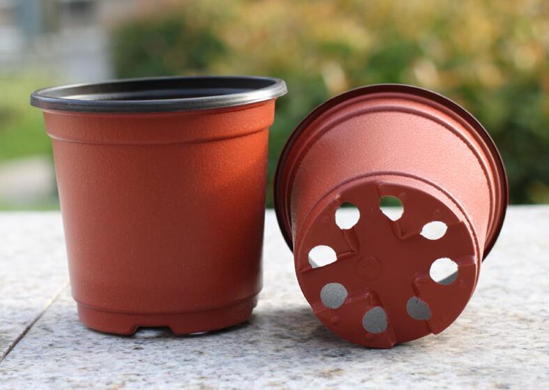 花园用品有限公司专业从事各种塑料花盆批发,类型包括长方形,正方形